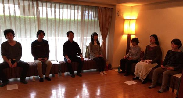瞑想伝授風景(麻布瞑想スペース)
